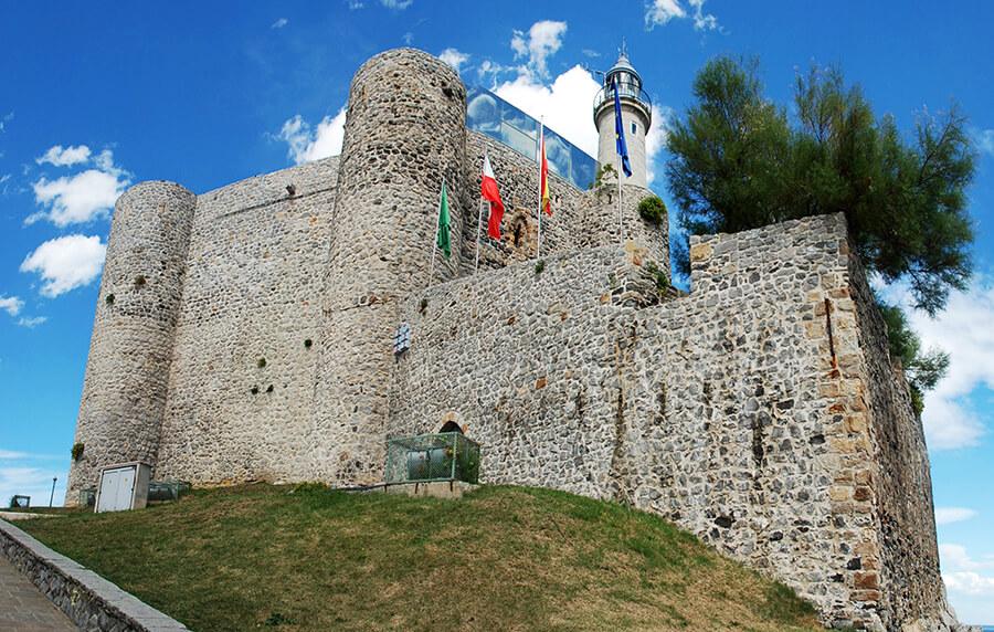Castro Urdiales castillo de Santa Ana