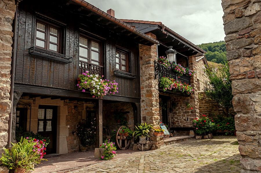 qué ver en Bárcena Mayor Cantabria