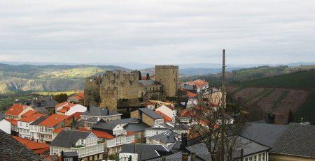 castillo de Castro Caldelas en Ourense