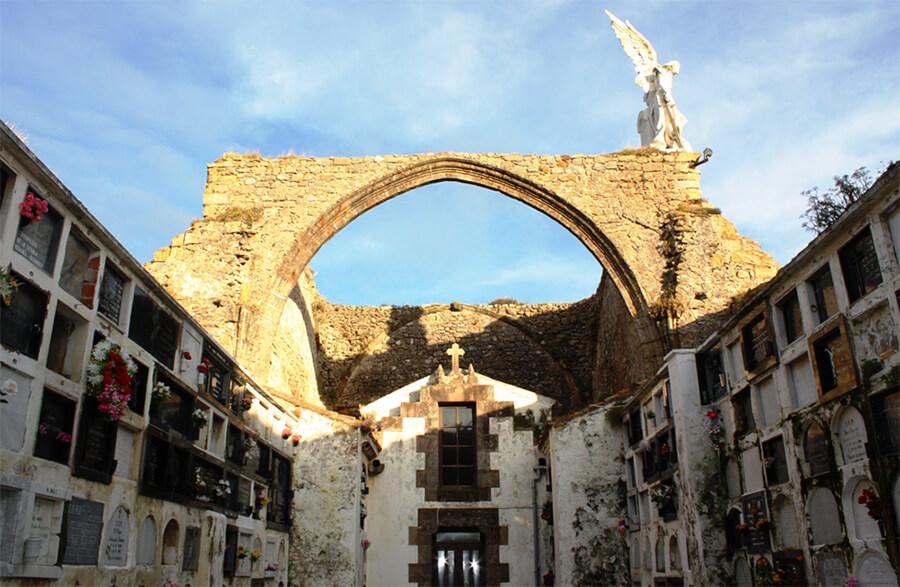 qué ver en Comillas Cantabria cementerio
