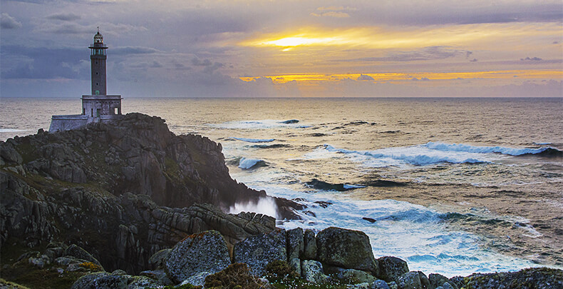 faro de Punta Nariga Malpica A Coruña