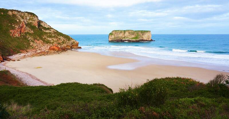 las mejores playas de Asturias Ballota