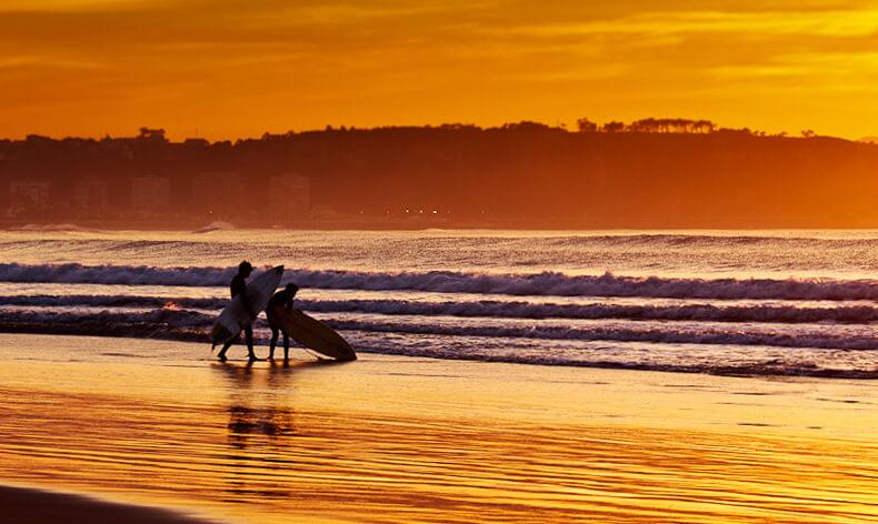 mejores playas de Asturias playa de Salinas en Avilés
