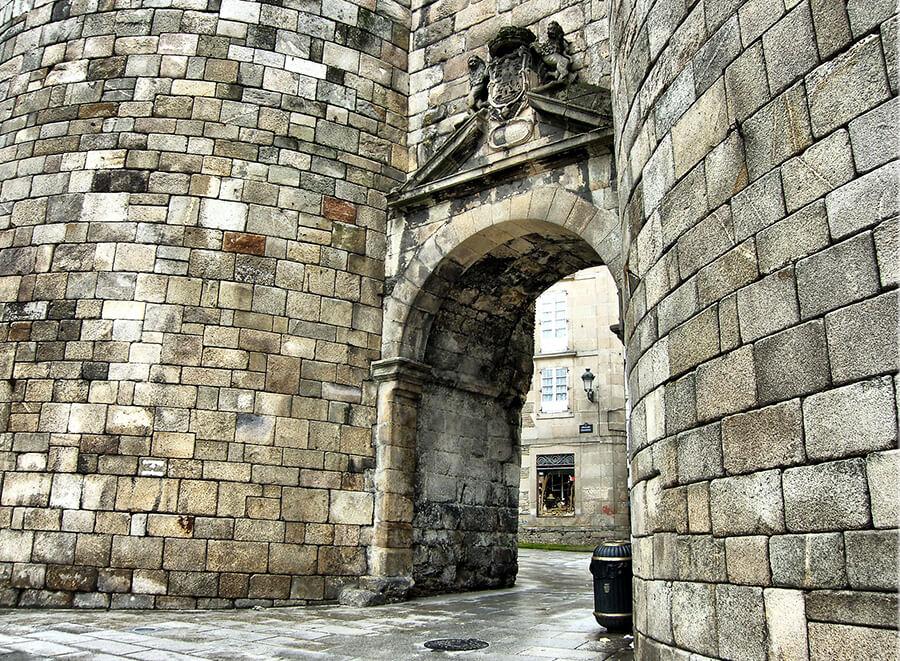 muralla de Lugo puerta de San Pedro