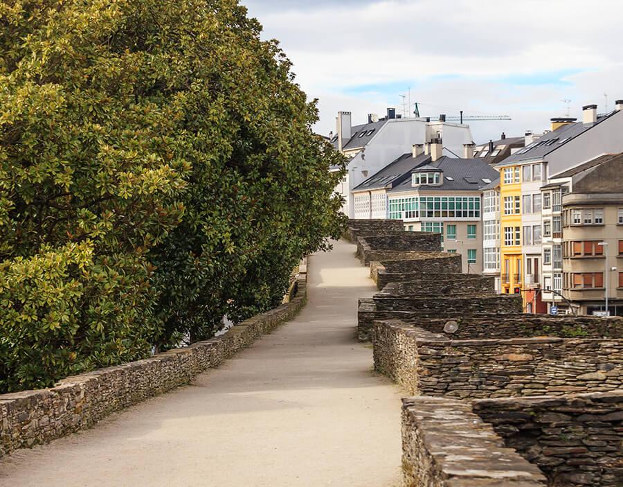 muralla de Lugo paseo