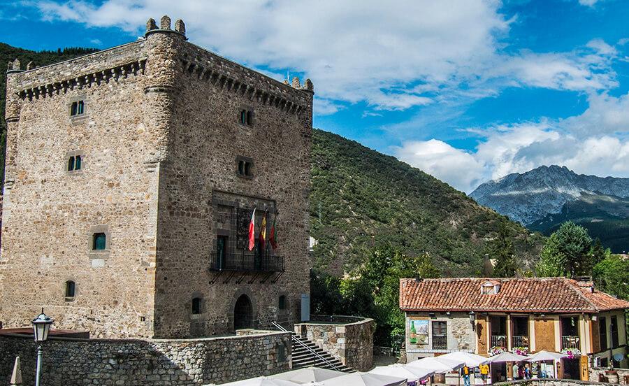 Potes Cantabria qué ver Torre del Infantado
