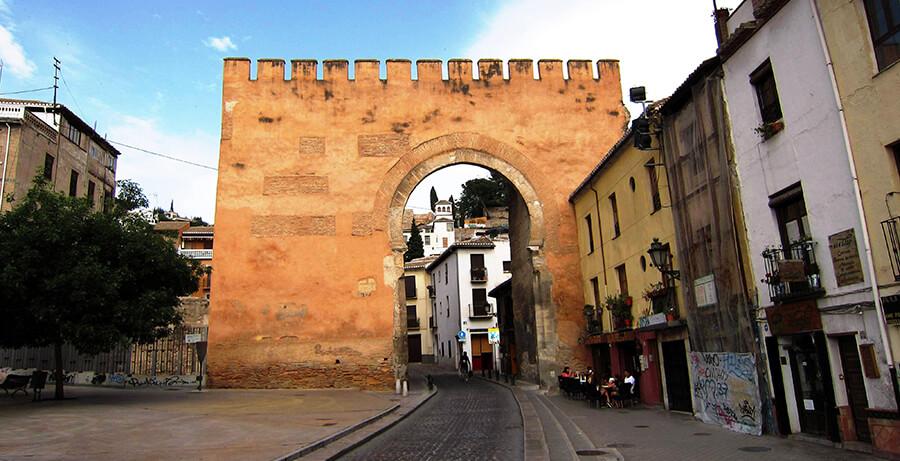 Arco de Elvira qué ver Granada