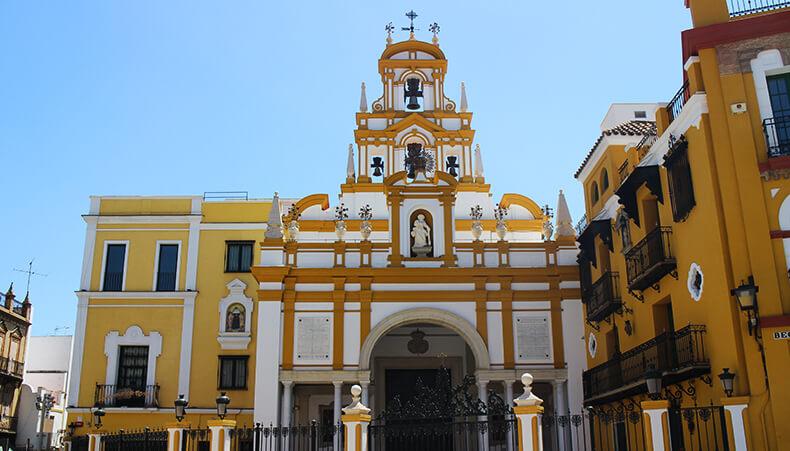 exterior Basílica de la Macarena