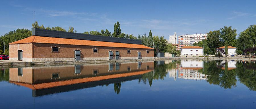 Canal de Castilla en la ciudad de Palencia