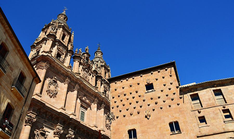 la Casa de las Conchas y la Clerecía en Salamanca