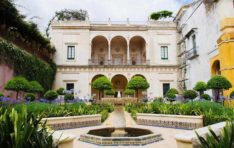 casa de pilatos patio fuente y jardines
