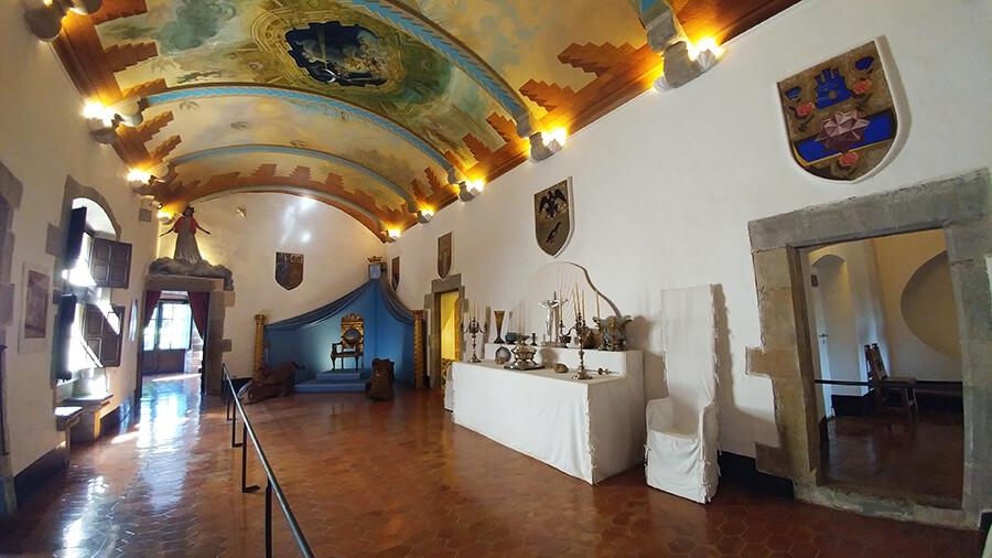 interior del castillo de Púbol Girona