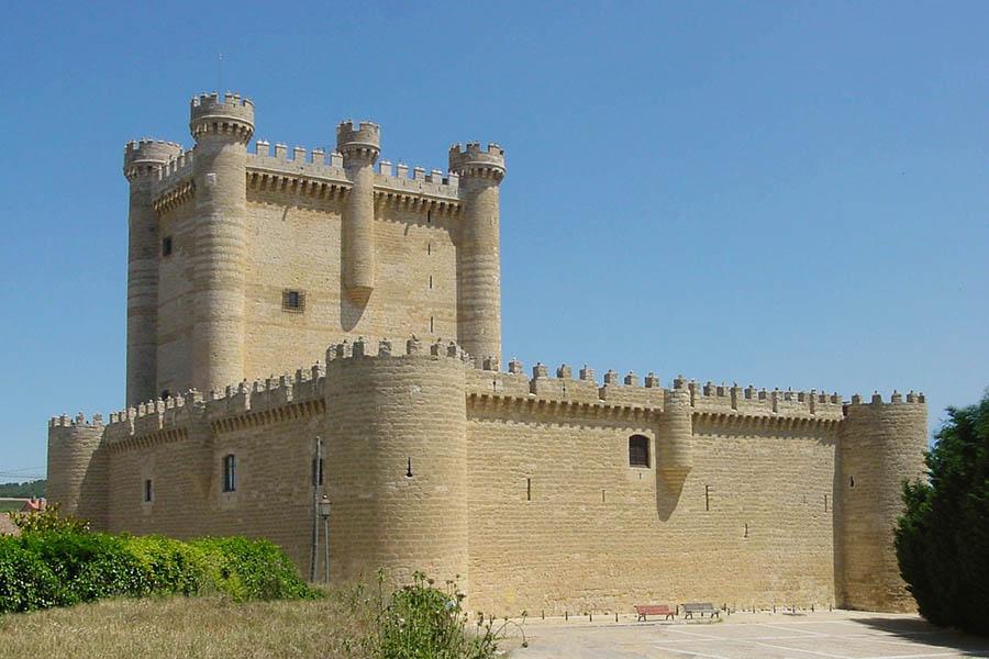 castillo de Fuensaldaña visitas
