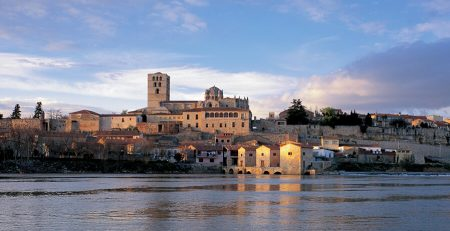 Catedral de Zamora desde el Duero