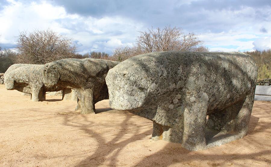 toros de Guisando en El Tiemblo en Ávila