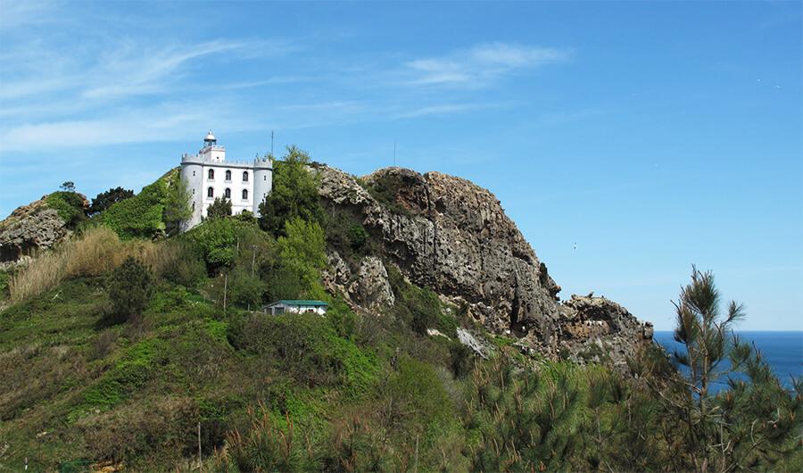 Faro de la Plata en Pasaia Gipuzkoa