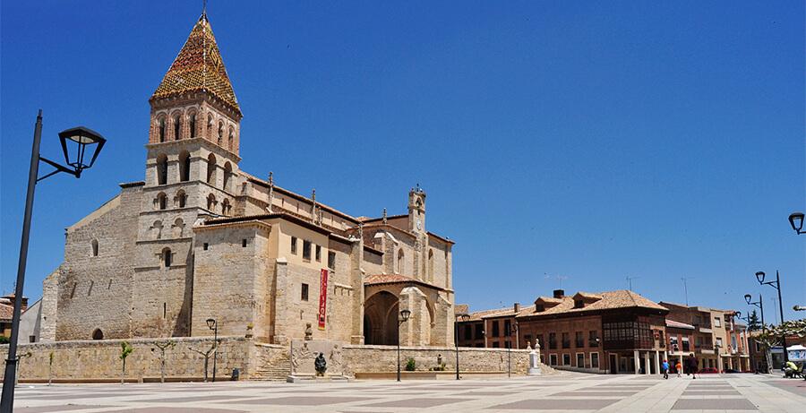 Paredes de Nava qué ver Palencia