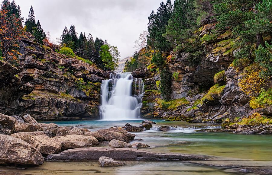 parque nacional de Ordesa y Monte Perdido cascadas río Arazas