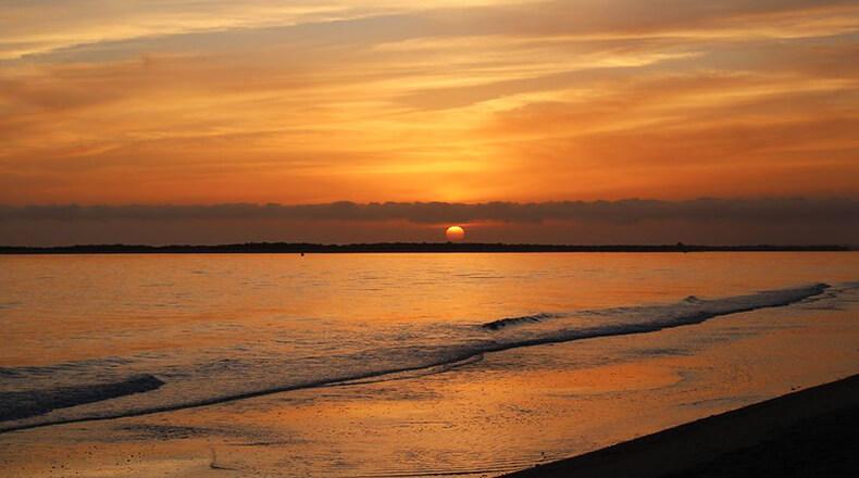 playa de El Portil puesta de sol