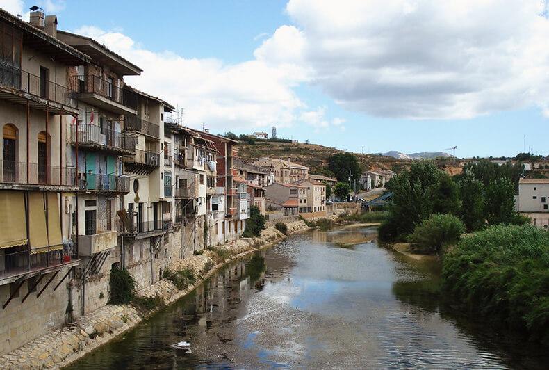 valderrobres casas del río