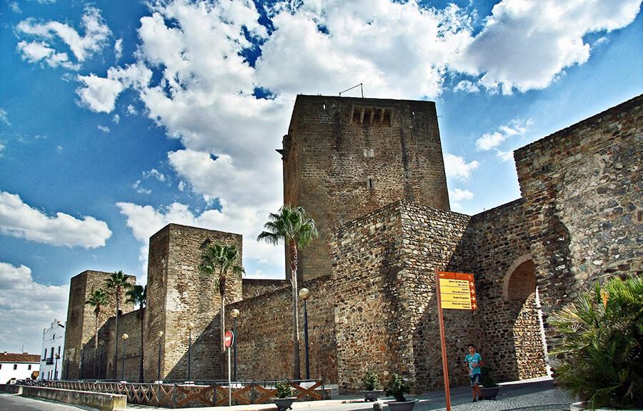castillo alcázar de Olivenza en Badajoz