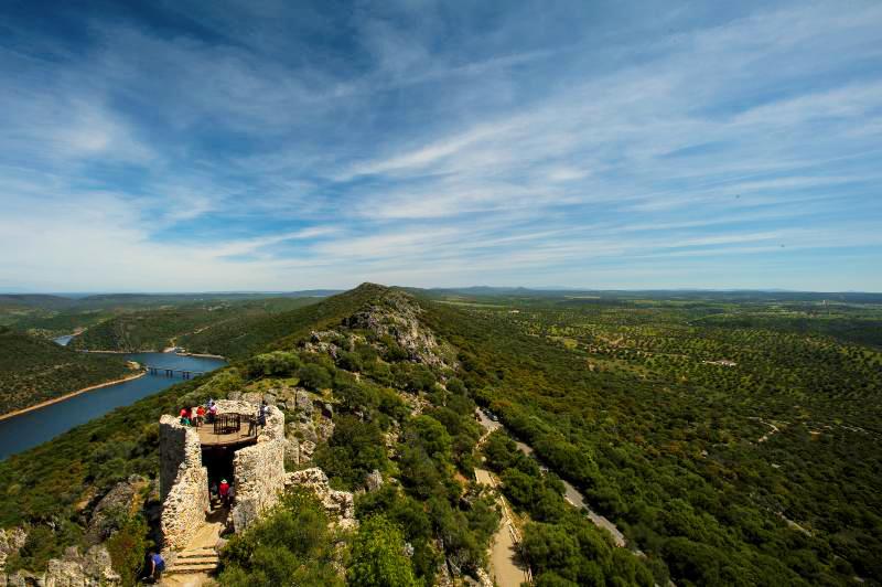 Castillo de Monfragüe en el parque nacional de Monfragüe