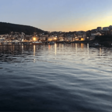 Barco Finisterre atardecer